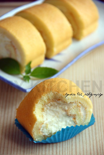 Durian Rolled Cake