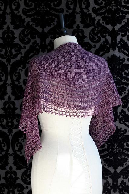 châle tricoté pour mariée