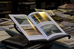 i mercatini della sera (mat56.) Tags: light illustration book evening photo foto market libro libri page luce sera mercatino mercatini illustrazione pagine
