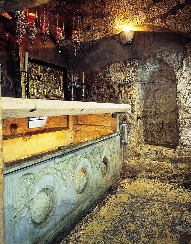 Sarcofago en la pieza subterranea
