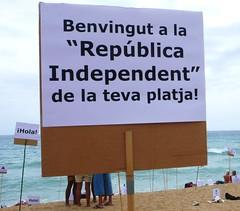 carlotta_betbese_2011-08-07_0456 (Fotomovimiento) Tags: barcelona playa protesta nudismo desnudo plaacatalunya nudisme acci nuu platjasantsebasti indignados aturemlesretallades acampadabcn indignats fotomovimiento15m