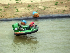 Sprung eines Hovercraft-Bootes