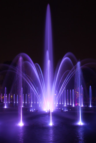 Fountain of Light. Fotografía de Leszek.Leszczynski liberada bajo una licencia Creative Commons By 2.0.