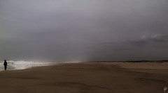 The girl and the sea (Paco CT) Tags: sea people beach portugal mar waves gente wind playa viento olas por 2011 saojacinto pacoct