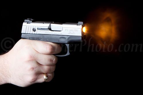 2011-09-28 gun fire 112