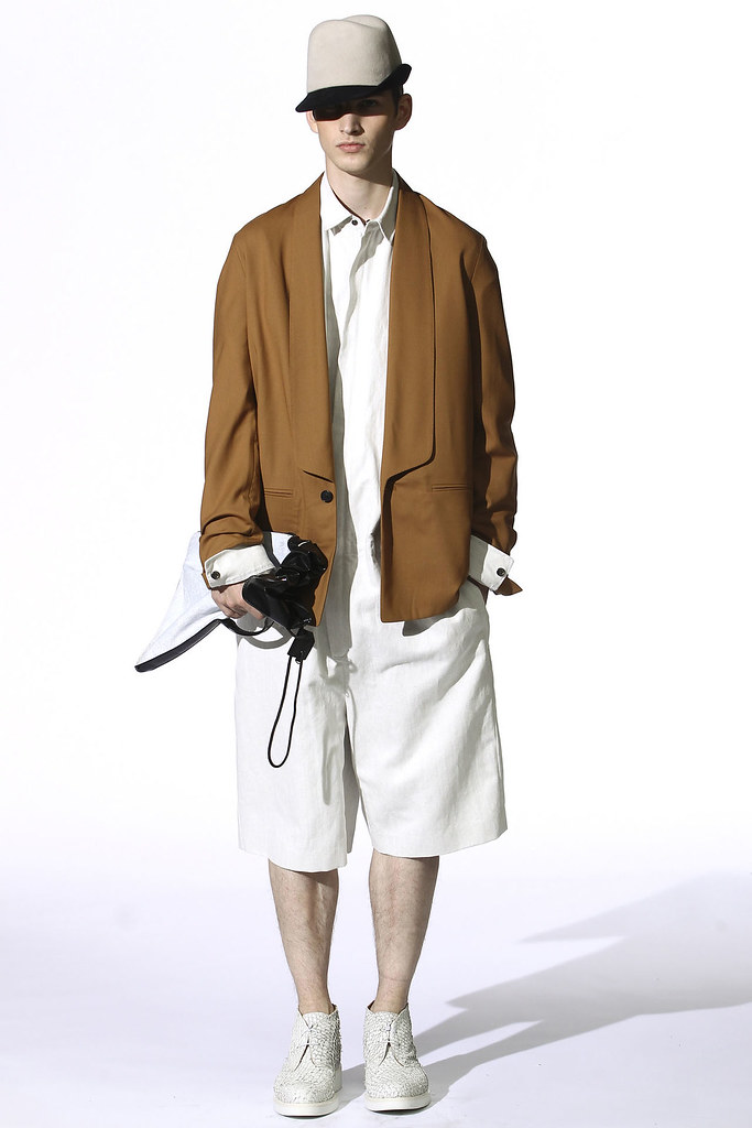 Joe Flemming3040_3.1 Phillip Lim(VOGUEcom)