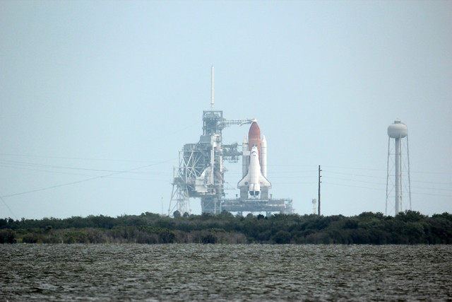 Space Shuttle Atlantis on the pad with EOS T3i / 600D and 800mm