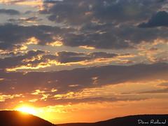 Le jour se lve (Domi Rolland ) Tags: france nature canon soleil ciel t nuage millau leverdesoleil aveyron g9