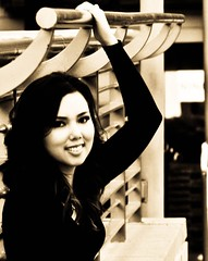 Anna IV (YBowyer Photography) Tags: sanfrancisco california ca woman sexy girl beautiful sepia lady square photography photo union bayarea unionsquare amature xti sanfranciscounionsquare