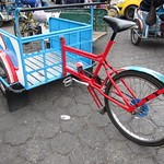 "Cargo Bicycle <a style=""margin-left:10px; font-size:0.8em;"" href=""http://www.flickr.com/photos/14315427@N00/5928250834/"" target=""_blank"">@flickr</a>"