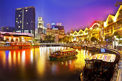 Clark Quay : Singapore Tourist Night Attraction : (Kenny Teo (zoompict)) Tags: longexposure cruise beautiful night canon river lens landscape boat yahoo google colorful tour teo tourist best guide kenny  touristspot clarkquay rivertaxi photoimpactx3 zoompict eos5dmark2 singaporelowerpiercereservoir