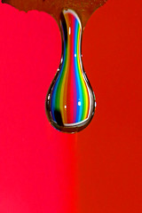 To see a rainbow in a drop of water (kees straver (will be back online soon friends)) Tags: pink blue red sky orange holland color macro green art fall water colors dutch amsterdam yellow canon fun eos frozen rainbow europa europe purple action withe nederland thenetherlands drop h2o piece sponge 5dmarkii keesstraver