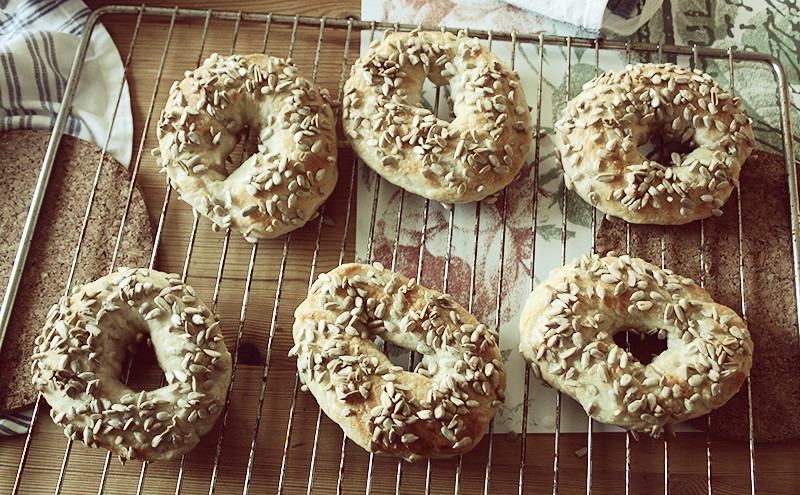 blev inspirerad och bakade egna bagels