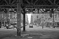 (Kevin Dickert) Tags: street city people urban blackandwhite chicago downtown cityscape traffic loop cab taxi streetphotography el canyon elevated statestreet streetscape urbanity canon5dmarkii iamhydrogen kevindickert