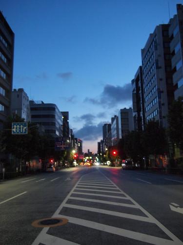 明け方の新大橋通り