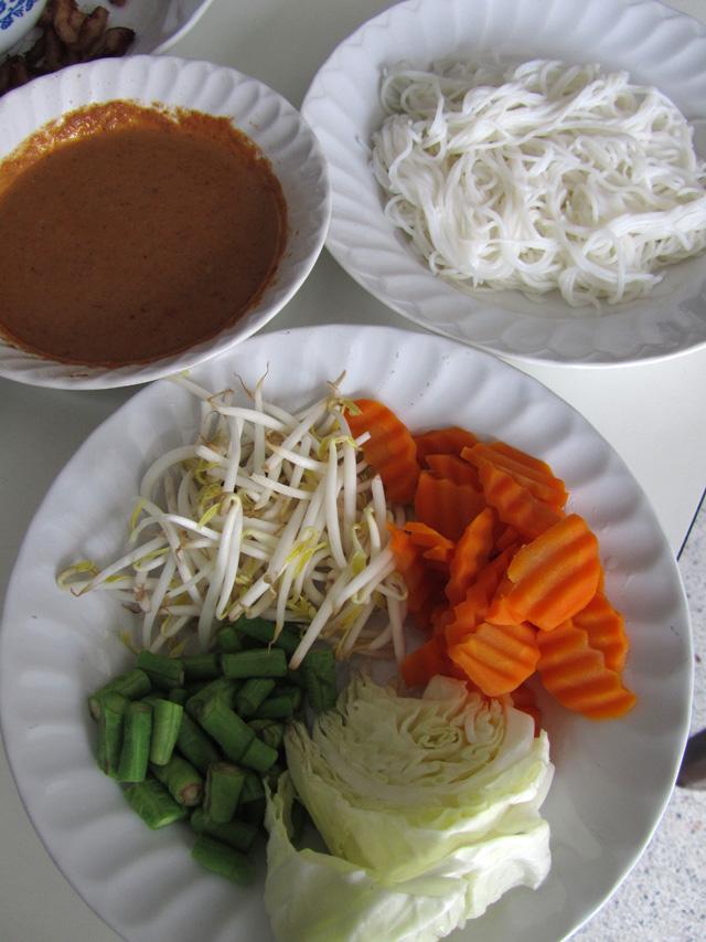 Kanom Jeen Nam Ya Kati