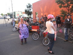 cargobike roll call_01 (METROFIETS) Tags: green beer bike bicycle oregon garden portland construction paint nw box handmade steel weld coat transport craft cargo torch frame pdx custom load cirque woodstove builder haul carfree hpm suppenkuche stumptown paragon stp chrisking shimano custombike cargobike handbuilt beerbike workbike bakfiets cycletruck rosecity crafted 4130 bikeportland 2011 braze longjohn paradiselodge seattlebikeexpo nahbs movebybike kcg phillipross bikefun obca ohbs jamienichols boxbike handmadebike oregonhandmadebikeshow nntma hopworks metrofiets cirqueducycling oregonmanifest matthewcaracoglia palletbike oregonframebuilder seattlebikeshow bikefarmer trailheadcoffee cargobikerollcall