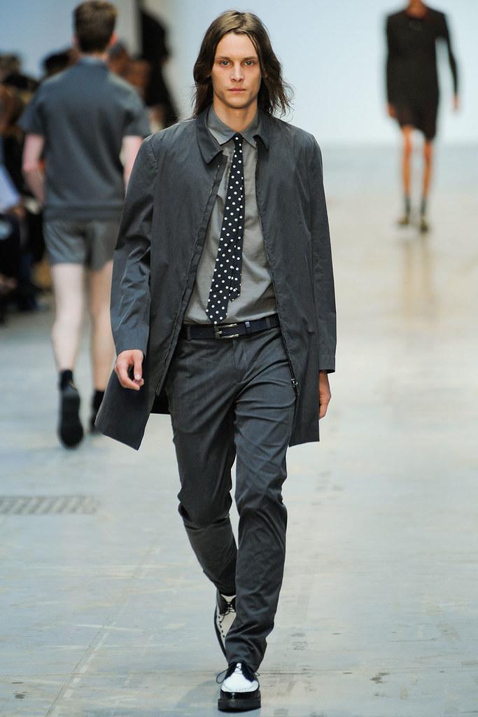 Tomek Szczukiecki3320_SS12 Milan Costume National Homme(VOGUEcom)