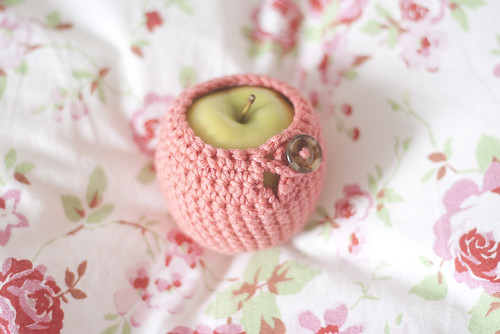 Apple Cosy by sealewithakiss