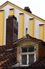 (:Linda:) Tags: roof chimney brick abandoned germany bavaria town decay electricity peelingpaint dach schornstein dachziegel antenna gaupe dormer eichsttt rooftile gaube wondow ziegelstein abbltterndefarbe dachgaupe dachgaube dachschindel