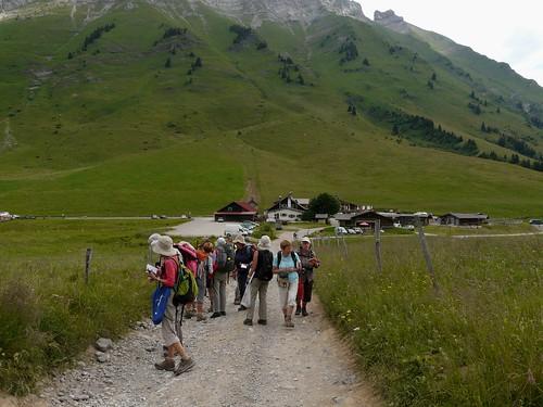 Démarrage de la randonnée au Col des Aravis 002