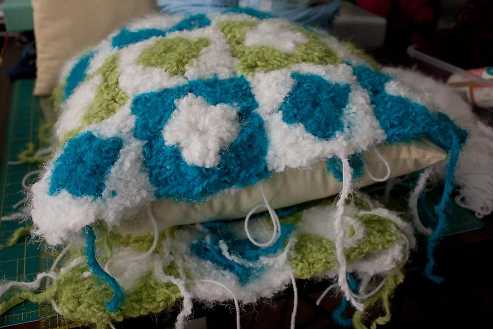 Fluffy Diamonds Pillow - In Progress