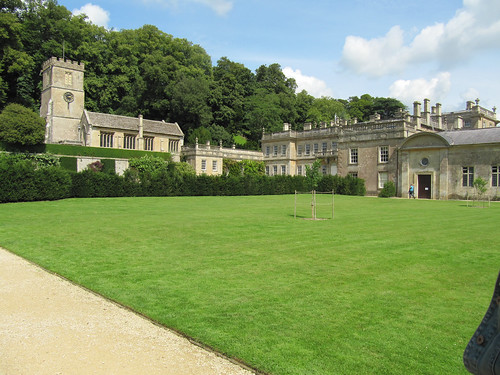 dyrham house back