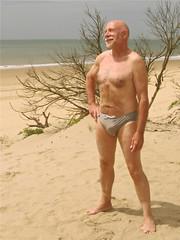 Royan, plage de la Grande Côte 418 (bernard-paris) Tags: plage naturisme royan plagenaturiste plagedelagrandecôte
