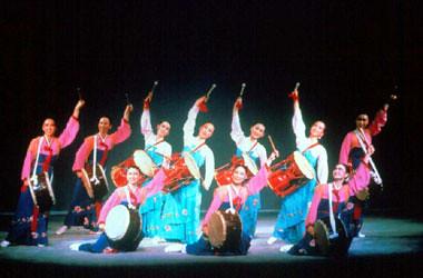 伝統家屋(コリアハウス)で韓定食と古典舞踊体験