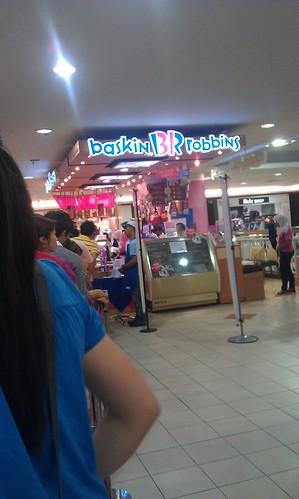 Makan-makan di Baskin Robbins
