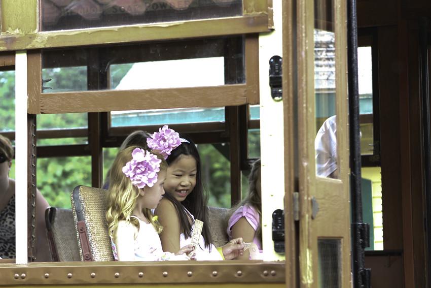 Trolley-girls in window