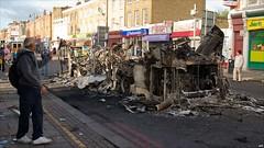 Burnt out bus in Tottenham by boysnips