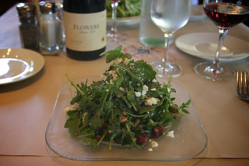arugula salad with fig & goat cheese