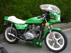 Kawasaki Z 750 Twin Caf Racer (EasyriderFXDWG) Tags: green bike japan twin elf moto motorcycle castrol 1977 seventies michelin kawasaki dunlop bibendum motul 750 twincam z750 kvas classicbike cafracer igol alltypesoftransport motojournal