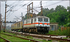 NDLS-SDAH Duronto (Raj Kumar (The Rail Enthusiast)) Tags: new er delhi indian express nr railways kolkata raj ecr kumar howrah dhanbad rajdhani sealdah ghaziabad irfca 30278 duronto wap7