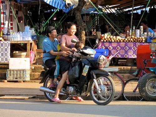 3 generations, Laos