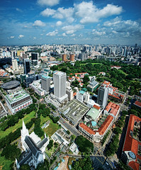 Aerial View of Stamford & North Bridge Road, Singapore (williamcho) Tags: church town singapore aerialview adelphi riverwalk civicdistrict boatquay supremecourt fortcanning clarkequay capitolbuilding telecoms d300 cityhallmrt imagesofsingapore swissotelthestamford stamfordroad liangcourt funancentre itmall flickraward nikonflickraward oltusfotos northbridgerd williamcho rafflescitymrt flickrtravelaward peninsulashoppingmall highstreetbentre