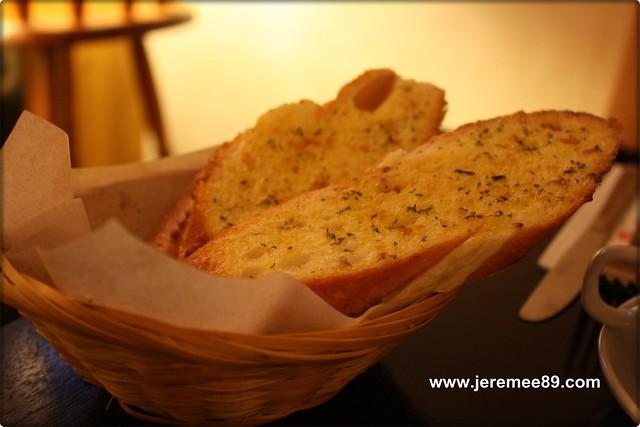 Post Cafe @ Carnarvon Street - Garlic Bread