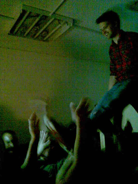 crowd surf 2
