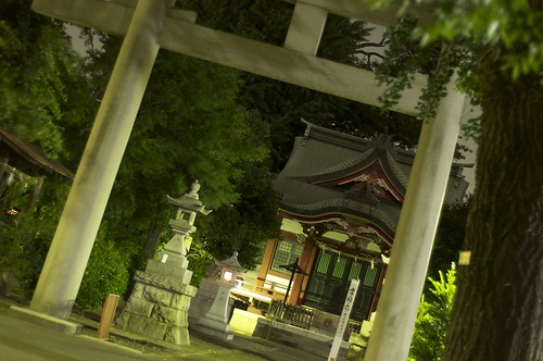 Shrine of Midnight by keganimushi