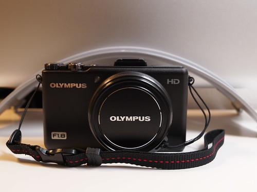 OLYMPUS XZ-1 + HAKUBA ピクスギア パーフォレートW