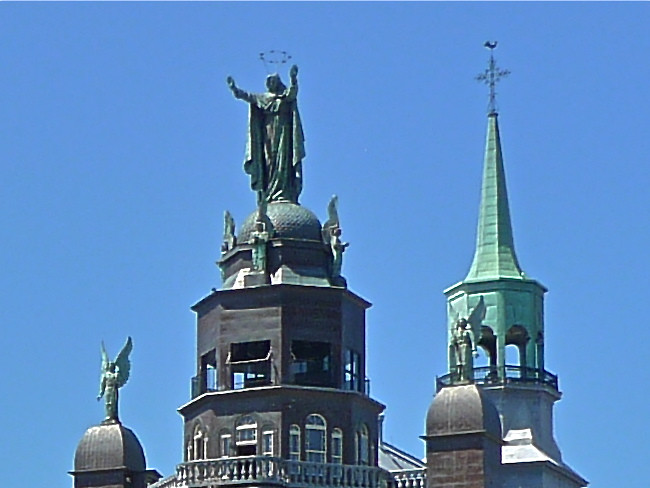 Copyright Photo: Notre-Dame-de-Bon-Secours Chapel - Our Lady of the Harbour by Montreal Photo Daily, on Flickr