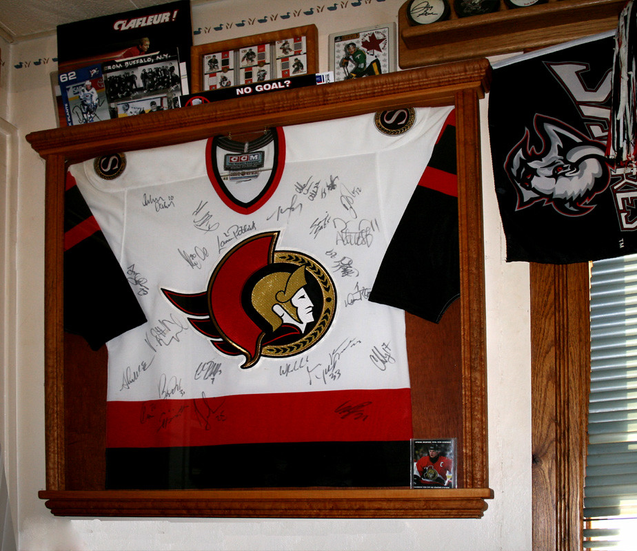95/96 Ottawa senators team autographed jersey
