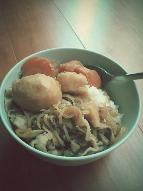 今日午餐 siki牌馬鈴薯燉肉 超好吃!!!