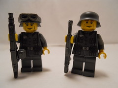 M.G. And Support (THEBrickTrooper) Tags: lego german ww2 americans minifig axis allies brickarms mmcb