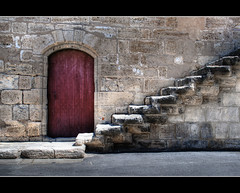 Stairs (Focusje (tammostrijker.photodeck.com)) Tags: door old france stairs french aiguesmortes