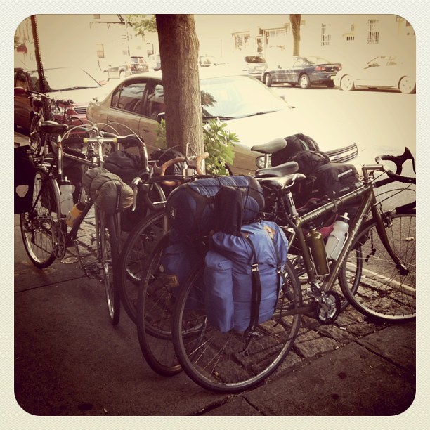 Day 1 of bike tour : bike pile up before leaving!