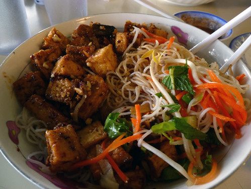 lemongrass tofu bowl with sprouts, veggies and rice noodles from Pho Nguyen