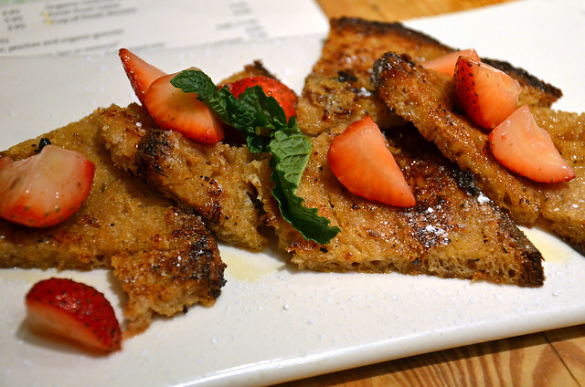 french toast at le pain quotidien