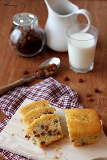 Raisin butter cake